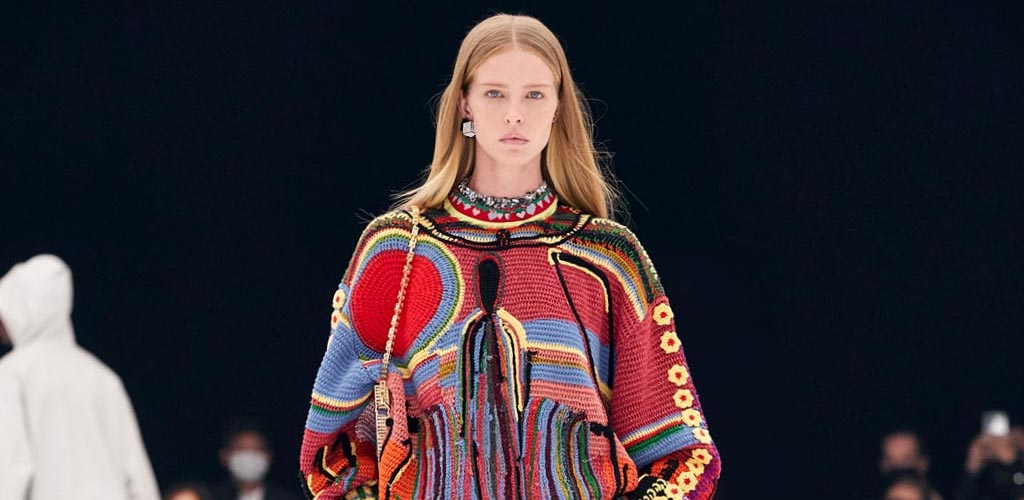 A photograph of a look at Givenchy's Spring/Summer 2022 runway show by Alessandro Lucioni of Gorunway.com, dated 2021.