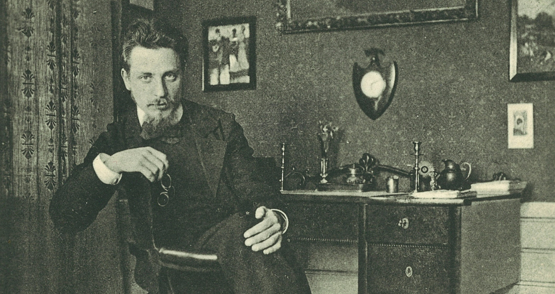 A photo of Rainer Maria Rilke in Westerwede, dated 1901.