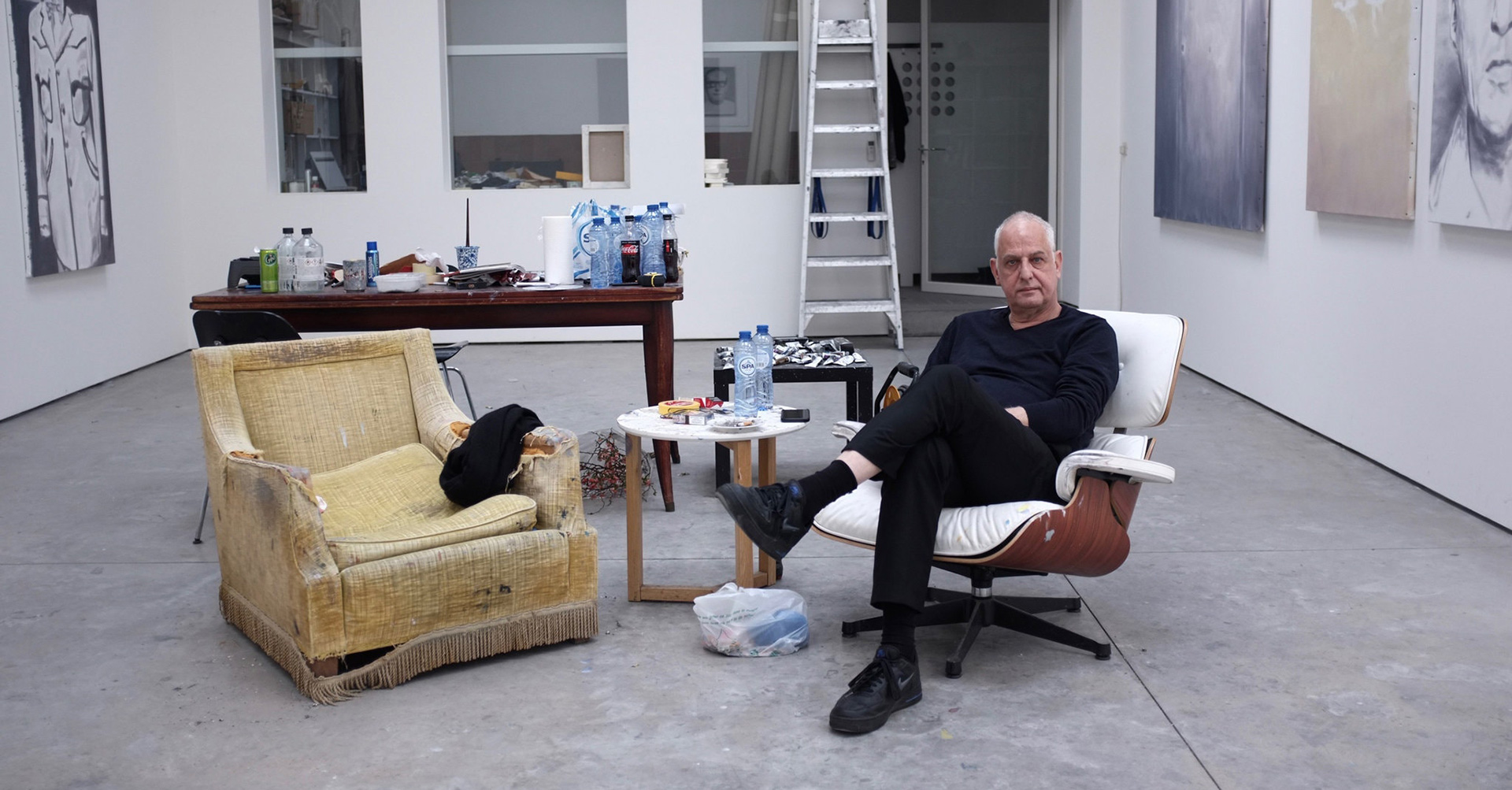 A photo of Luc Tuymans in his Antwerp studio by Mieke Verbijlen in 2020.